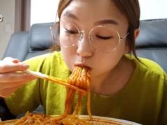 泡菜不是中国的!「537万粉丝」大胃王发声明:不在中国活动了