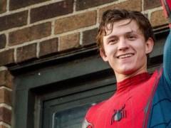 蜘蛛人超拚命!汤姆荷兰拍新片 3 度摔断鼻子 与《星际大战》女主角尝尽苦头!